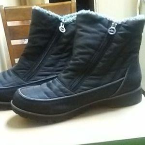 JBU winter boots by Jambu
